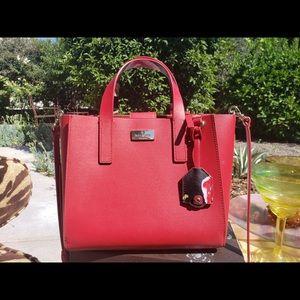 Kate spade purse, adjustable to be crossbody bag